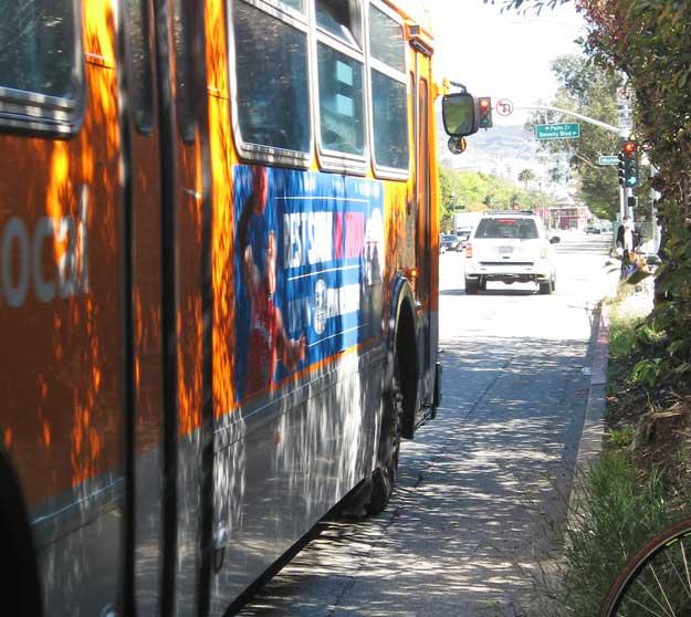 Santa Monica-Beverly Boulevard buses allow little room for riders